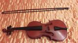 Vioara de 3/4 clasica de lemn marca Musikinstrumentenfabrik Reghin din 1979