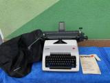 Masina de scris Olympia SG-3 este in stare perfecta