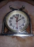 Ceas vechi de masa SHANGHAI,ceas de colectie,ceas in starea care se vede,T.GRAT
