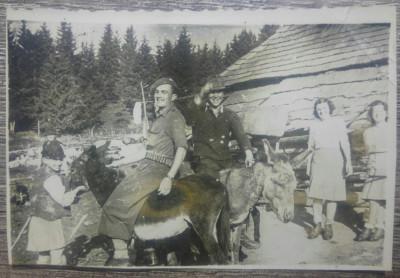 Tarani calare pe magari// Romania interbelica, fotografie foto