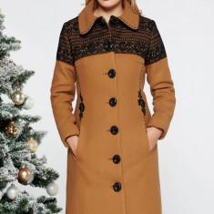 Palton LaDonna mustariu elegant cu un croi cambrat brodat din lana captusit pe interior cu buzunare captusit pe interior, Mustar