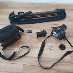 Aparat foto Nikon D3400 + trepied + telecomanda