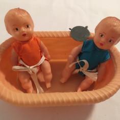 Set vanita/cos cu doi bebelusi Aradeanca, anii 82, jucarie Romaneasca, colectie