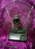 Antena DVB-T TV auto cu amplificator reglabil, 75 ohmi (12V / 220V)