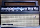 Aparat radio portabil cu tranzistoare, marca Hazar 402, fabricat in U. R. S. S.
