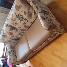 Canapea si fotoliu ambele extensibile