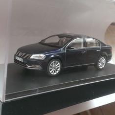 Macheta VW Passat B7 albastru - Schuco 1/43 noua ed. dealer Volkswagen
