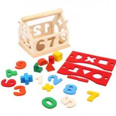 Casuta inteligenta cu sortator forme si cifre din lemn