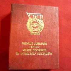 Medalie Jubiliara 5 Ani- pt.Merite deosebite Intrecerea Socialista ,cutie origin