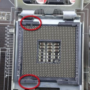 Xeon E5410 Quad Core 2.33Ghz,12Mb cache ,sk771 modat 775 performante Q9450,Q9550