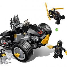 LEGO DC Super Heroes - Batman Atacul talonilor 76110