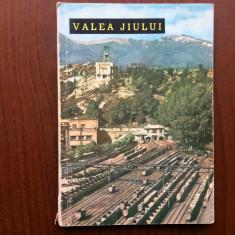 valea jiului orase si privelisti editura meridiane 1964 ilustrat foto hobby ghid