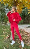 Trening dama superb rosu din catifea cu pantaloni lungi si bluza larga cu snur la umeri