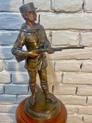 Soldat de la începutul sec.trecut statueta antimoniu foto
