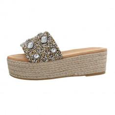 Papuci sic, cu platforma si numeroase aplicatii decorative, 37 - 40, Auriu