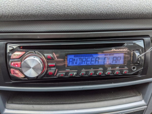 Mp3 auto PIONEER 4x50W USB Aux stick mp3 Iesire subwoofer RCA amplificator 1DIN
