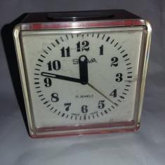 Ceas vechi de masa Slava,ceas de colectie,ROSU,starea care se vede,T.GRATUIT