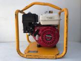 Motopompa apa - Motovibrator Belle 165