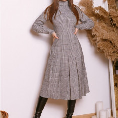 Rochie pe carouri