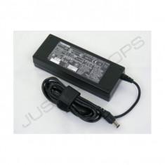 Alimentator - incarcator laptop Toshiba Tecra A5 A8 A9 A10 15V 5A