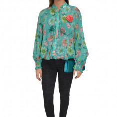 Bluza tinereasca, nuanta de turcoaz, design deosebit cu motive florale