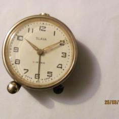 PVM - Ceas de masa SLAVA functional (dar grabeste) 11 rubine fabricat URSS