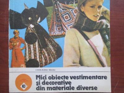 Mici obiecte vestimentare si decorative din materiale diverse foto