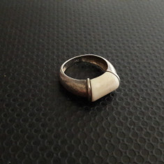 inel vechi de argint cu fildes