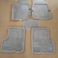 Covor mocheta Dacia Duster - TAVITA gri ManiaCars