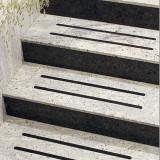 Benzi antiderapante cu autocolant pentru scari