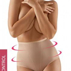 Chilot modelator Daniella