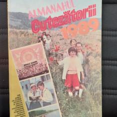 ALMANAH CUTEZATORII ANUL 1989 , STARE FOARTE BUNA .