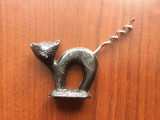 tirbuson romanesc pisica vechi perioada comunista RSR de colectie din plastic