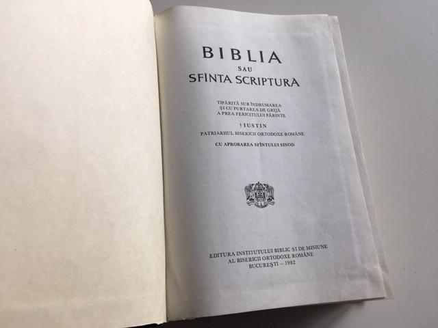 BIBLIA SAU SFANTA SCRIPTURA 1982 SUB INDRUMAREA PATRIARHULUI IUSTIN