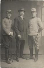 Fotografie ofiteri romani cu sabii Primul Razboi Mondial foto