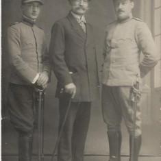 Fotografie ofiteri romani cu sabii Primul Razboi Mondial