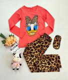 Pijama dama ieftina din bumbac cu pantaloni animal print si bluza cu maneca lunga corai cu imprimeu DS