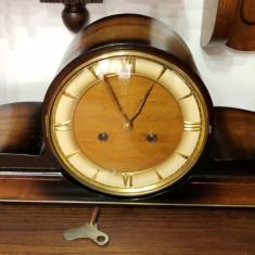 Ceas de semineu mecanic, anii 50
