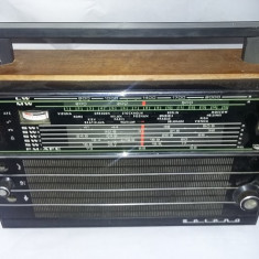 Aparat radio Selena.APAR RADIO VECHI Selena,de colectie,T.GRATUIT