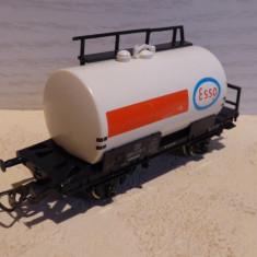 Vagon cisterna ESSO, Piko , scara 1/87, H0