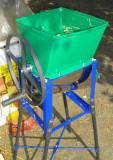 Razatoare manuala tocator cu picioare pentru fructe legume sfecla radacinoase