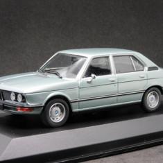 Macheta BMW 520 E12 Maxichamps 1:43
