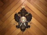 Panoplie miniaturala spaniola,sculptata in lemn,cu sabii Toledo