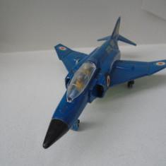 bnk jc Dinky 725 F-4K Phantom II