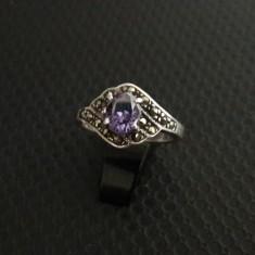 inel vechi de argint cu ametist si marcasite