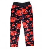 Pantaloni imblaniti cu flori rosii