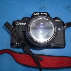 Aparat foto vechi Minolta X700 cu obiectiv MD 50mm
