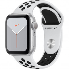 Smartwatch Apple Watch Nike Series 5 GPS 40mm Silver Aluminium Case Pure Platinum Black Nike Sport Band