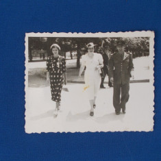 FOTOGRAFIE DOAMNE CU MILITAR , DATATA 12 IULIE 1937