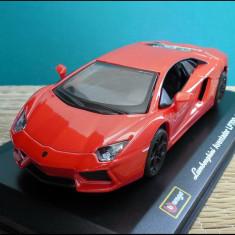 Macheta Lamborghini Aventador LP 700-4 1:32 Bburago